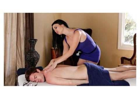 Full Body to Body Massage Parlour Mohali Airport Road 9915923397